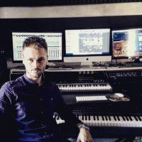 Matteo Passarelli  maestro presso la Cento per Cento Musica Roma