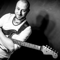 Mirko Mazza maestro Corso di Chitarra presso Cento per Cento Musica Roma